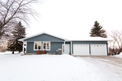 curb appeal, carman, manitoba, royal lepage carman, kelly dyck, realtor