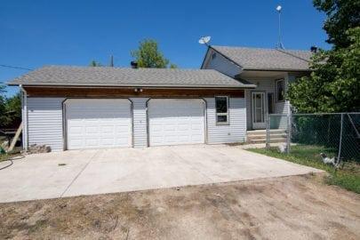 39158 Rd 18W garage doors
