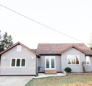 9 4th Avenue NW, Carman 2 bedrooms 🛏 1 bathroom 🚽 Well maintained one level home with many recent upgrades!