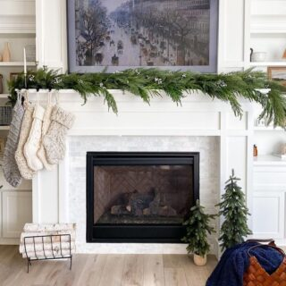 Something about adding greenery makes the holidays extra cozy Beautifully designed by @kaylahaven_