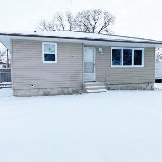 JUST LISTED $167,500!!! 109 4th Street NW Check out our website for the full listing www.royallepagelegacy.com
